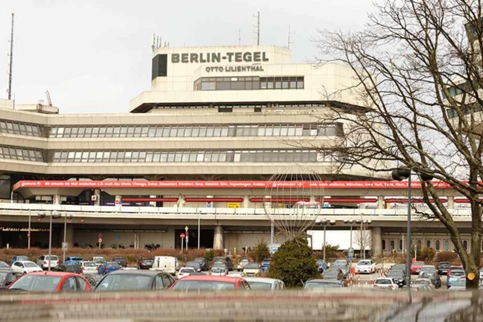 Geht es nach den Unterzeichnern des Volksbegehrens, soll der Flughafen Tegel auch nach Eröffnung des BER in Betrieb bleiben.