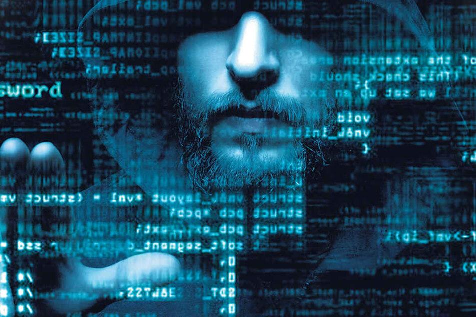 Achtung, Hacker bieten im Darknet ihre Dienste an. Das Ausspähen und Abfangen  von Daten, Datenveränderung oder Computersabotage gehören dazu.
