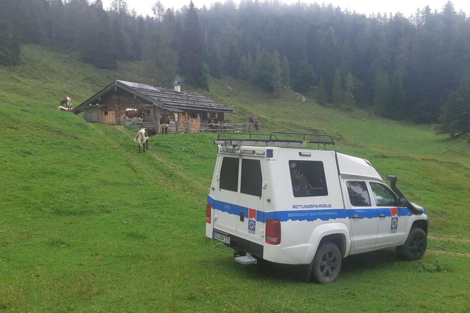 Ein Fahrzeug der BRK Bergwacht bei der Suchaktion nach einem vermissten Kleinflugzeug.