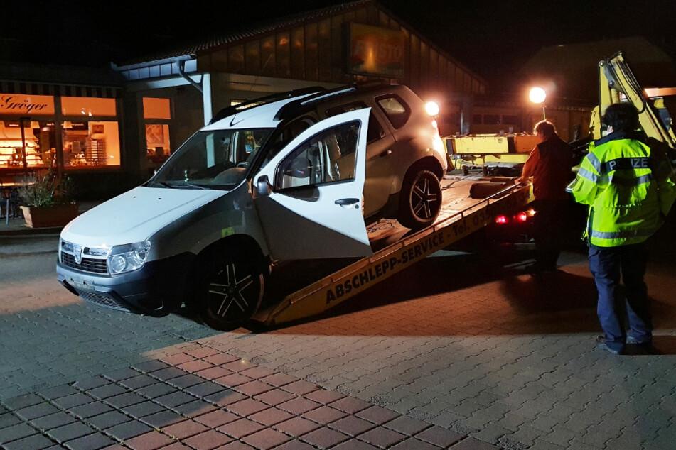 Der Dacia wurde abgeschleppt und sichergestellt.