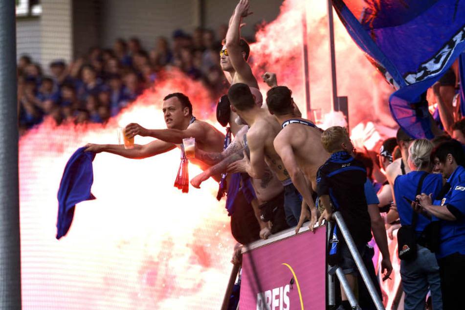 Wegen der Pyro, die gegen Endes des Spiels gegen Unterhaching abgefeuert wurde, muss der SCP blechen.