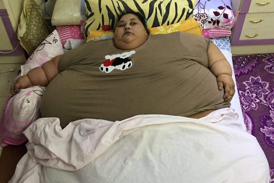 Ihr Alltag in Ägypten. Vor dem Gewichtsverlust verbrachte Eman Ahmed den ganzen Tag im Bett. Bewegungen waren unmöglich.