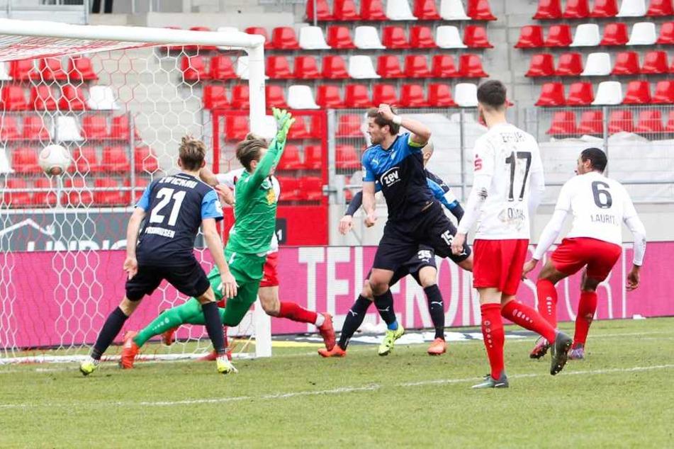Tor für Zwickau: Ronny König trifft zum 0:2.