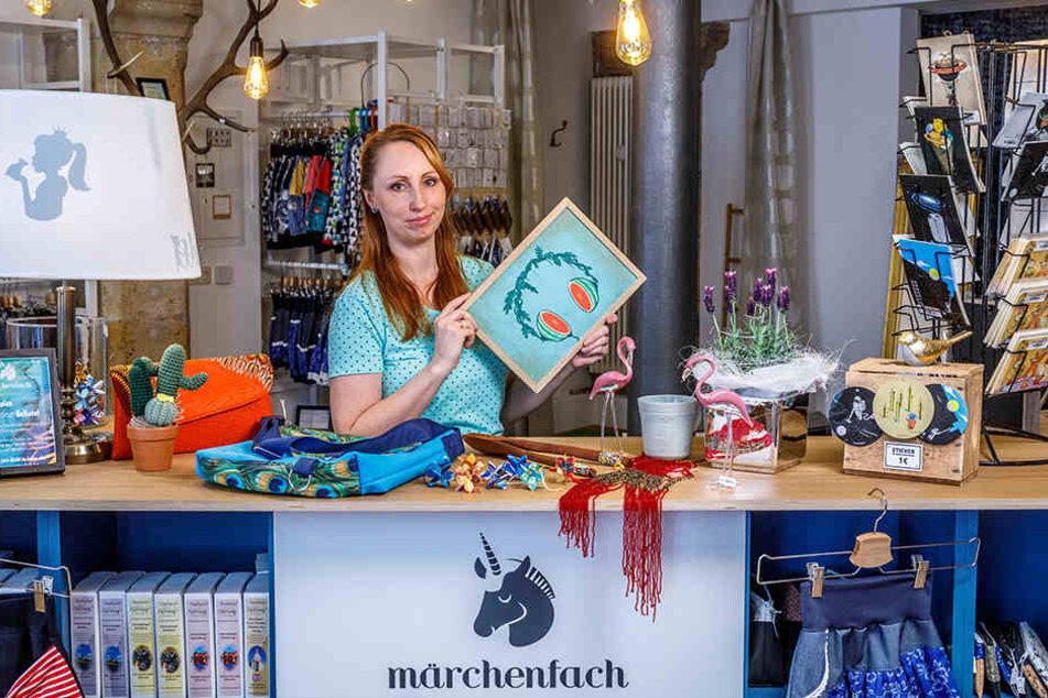 """In ihrem Laden """"märchenfach"""" auf dem Obergraben verkauft Tina Kresse Handgemachtes aus der Region."""