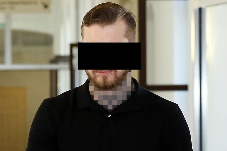 Lukas M. (25) hat aus Eifersucht seinem Nebenbuhler ein Messer in den Bauch gerammt.