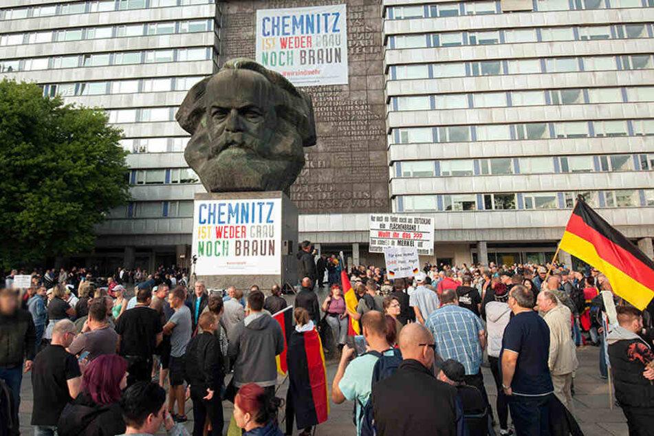 """Jeden Freitag ruft """"Pro Chemnitz"""" zur Demo am Nischel auf. (Archivfoto)"""