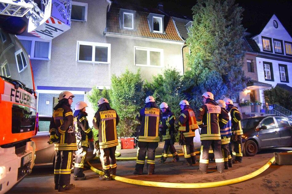 Köln: Toter bei Wohnungsbrand in Köln-Müngersdorf