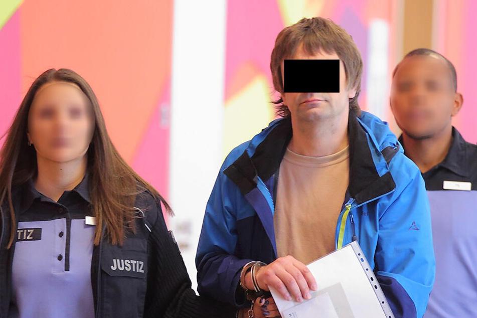 Der Angeklagte Torsten K. (46) stritt sich jahrelang mit seiner Ex und dem Jugendamt um das Umgangsrecht mit seinen Kindern.