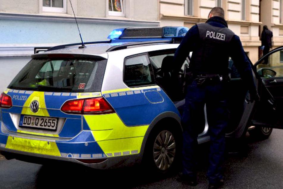 In der Berliner Straße in Görlitz bedrohten vier junge Männer einen 40-Jährigen.