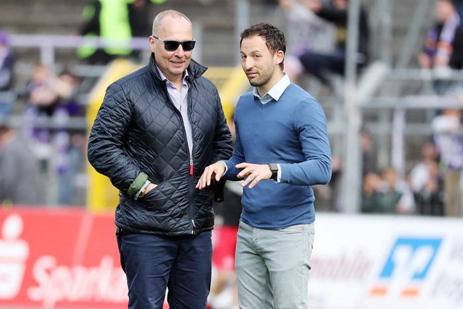 In die Arbeit von Coach Domenico Tedesco (r.) hat FCE-Boss Helge Leonhardt vollstes Vertrauen.
