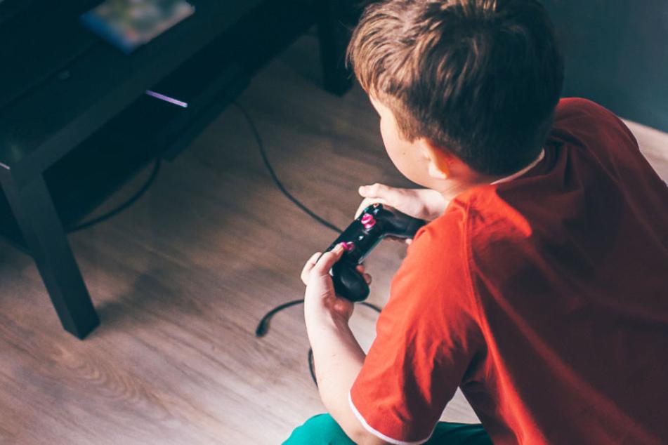 Ein 12-jähriger Junge saß drei Tage ohne zu schlafen vor seiner Playstation. (Symbolbild)