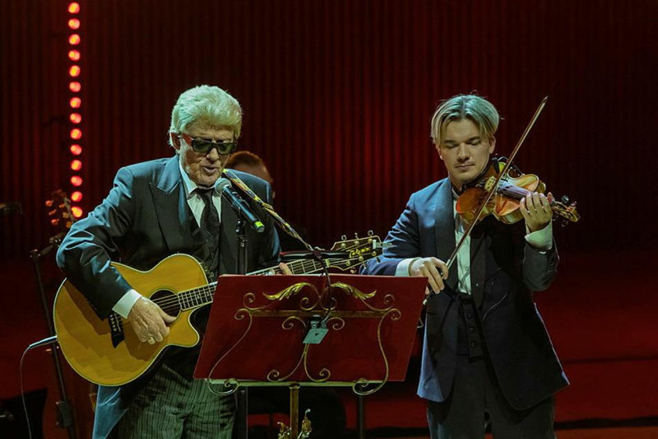 Volksmusikbarde Heino (82, hier mit Star-Violinist Yury Revich, 30) kehrt zurück zu seinen klassischen Wurzeln.