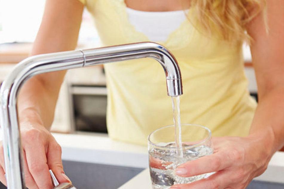 Der Grundwasserstand sinkt - deswegen wird das Wasser langsam aber sicher knapp.