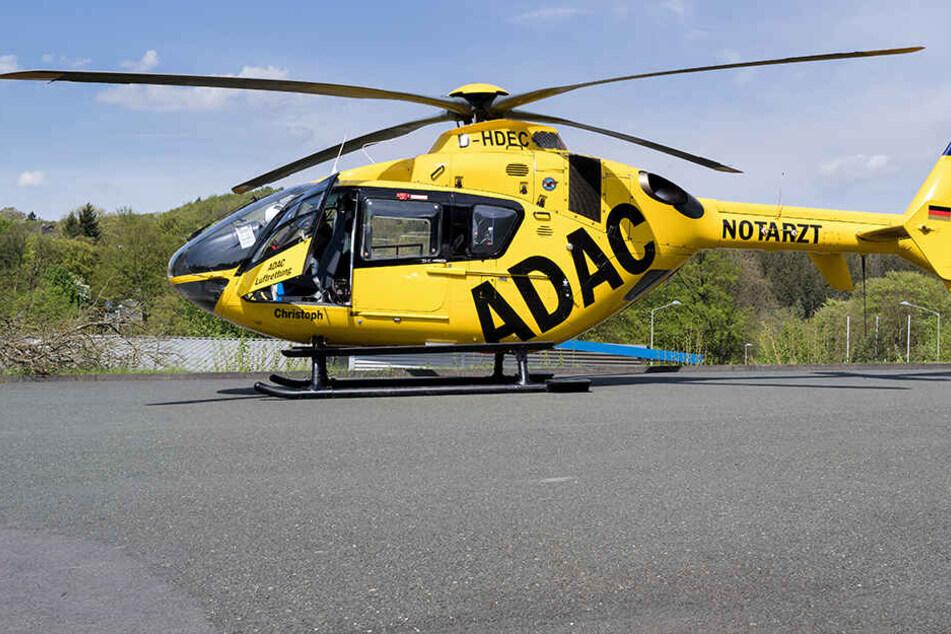 Rettungshubschrauber im Einsatz: Drei Verletzte bei Unfall auf A72