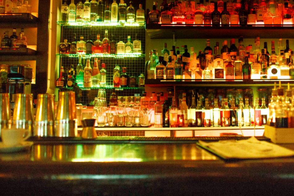 Die Sperrstunde für Bars, Restaurants und Kneipen fällt wieder weg.