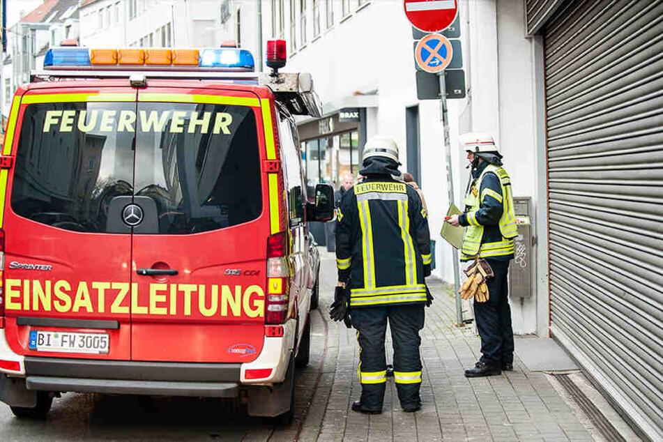 Ein Löschzug hielt am Niederwall, ein zweiter an der Renteistraße.