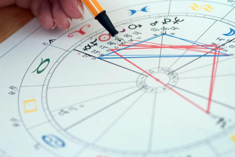 Richtige Vorhersagen anhand von Horoskopen: Der Deutsche Astrologen-Verband hält die Kritik der GWUP für zu pauschal.