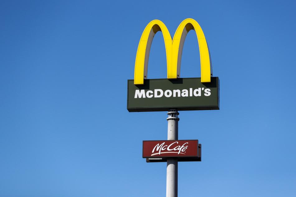 Wegen der Corona-Pandemie sind beim US-amerikanischen FastFood-Konzern McDonald's die Umsätze eingebrochen.