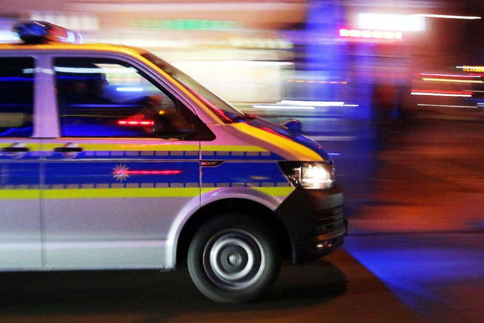 Die Polizei sucht Zeugen zu der Tat. (Symbolbild)