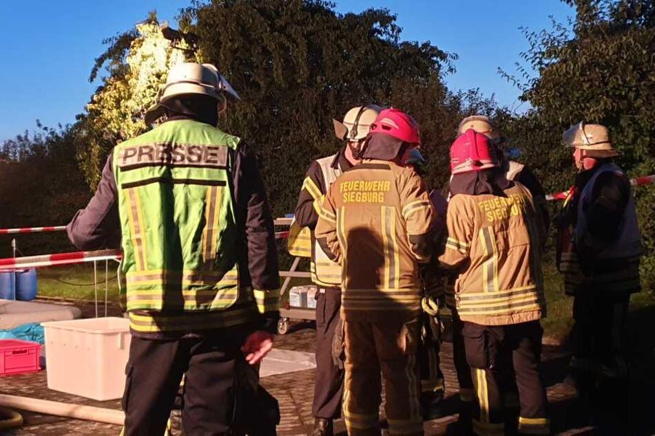 Etwa 80 Einsatzkräfte waren am Sonntagabend vor Ort in Königswinter.