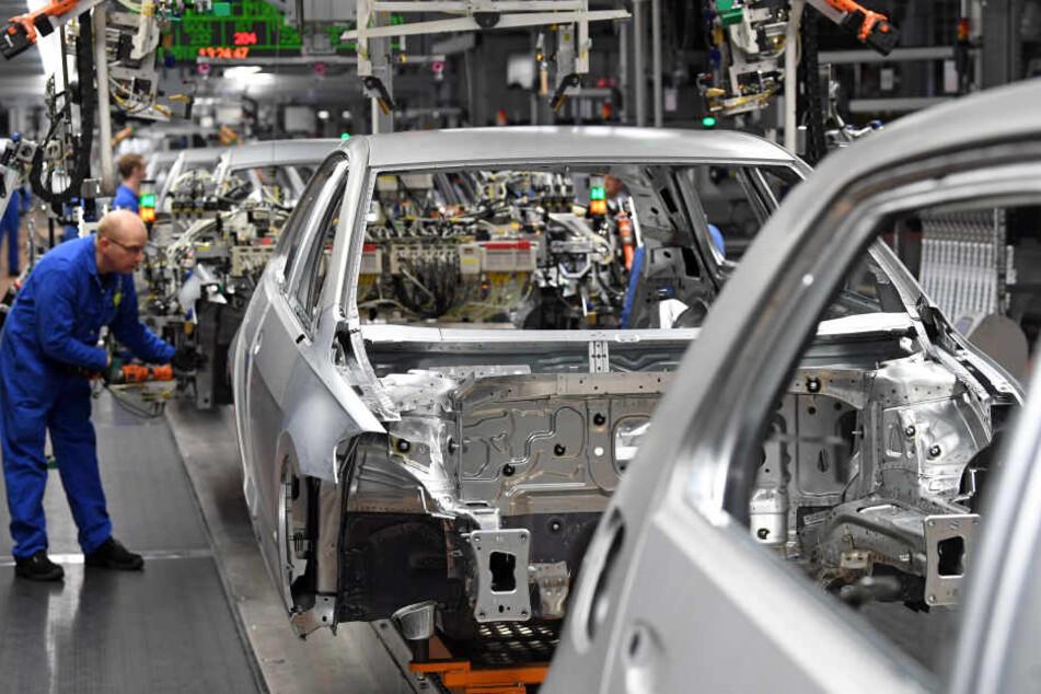 """Betroffen sind laut VW """"einige Hundert"""" Mitarbeiter der Golfproduktion an einer von zwei Fertigungslinien. (Symbolbild)"""