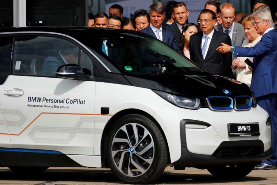 Der Münchner Autobauer BMW verstärkt sein Engagement in China. (Archivbild)