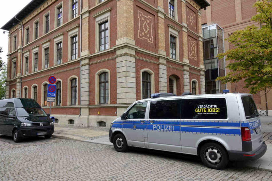 Chemnitz: Bürgerservicestelle in Chemnitz geschlossen! Einbrecher verwüsten Büro