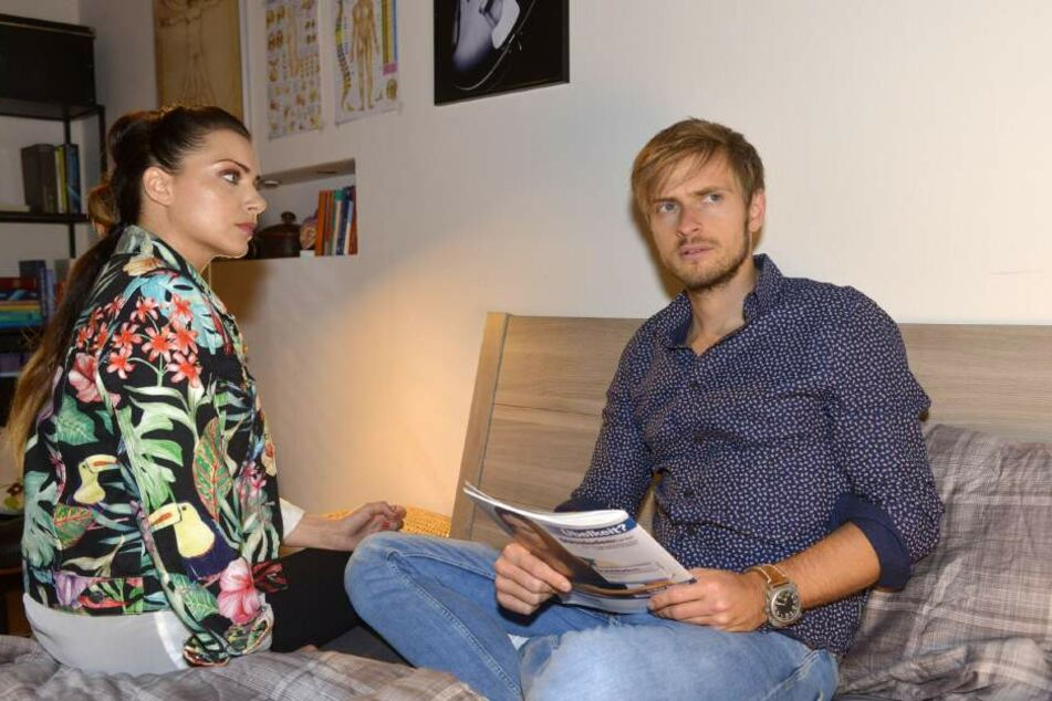 Nach seinem schweren Unfall kann sich Philip an nichts mehr erinnern. Seine Zwillingsschwester Emily versucht ihn in dieser Zeit zu unterstützen.