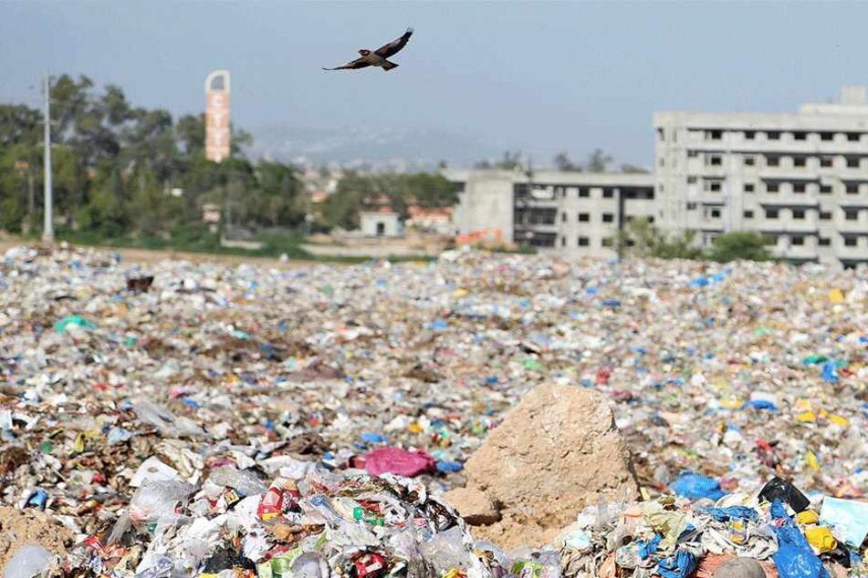 Auf einer Mülldeponie fand man die Leiche des Dreijährigen (Symbolbild).