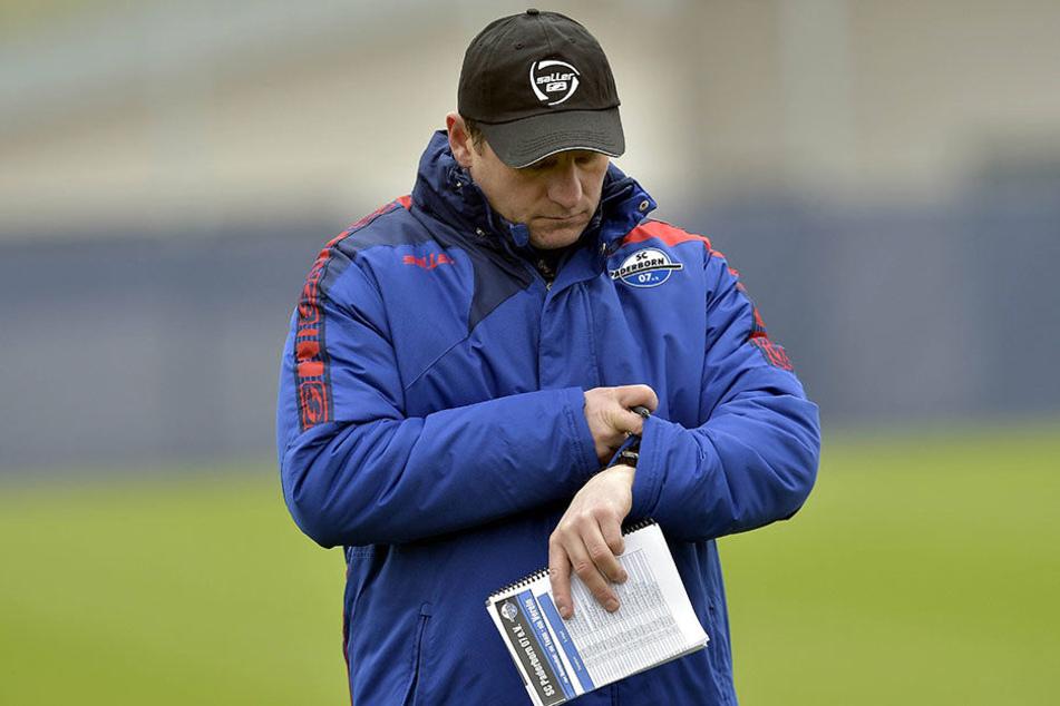 Wie im letzten Winter bleibt der SCP mit Trainer Steffen Baumgart (45) in Ostwestfalen.