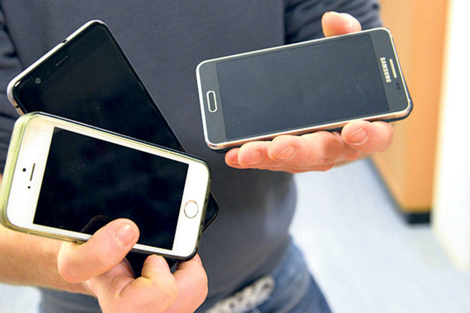 Nicht abgeholte Handys sind bei den Fundsachen-Versteigerungen der Renner.