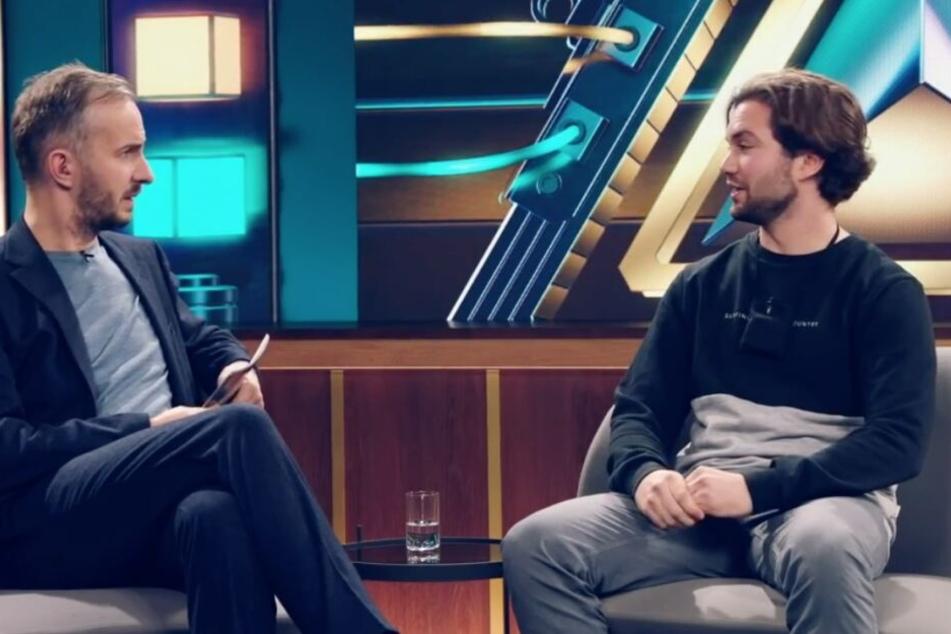Jan Böhmermann im Gespräch mit Darius Hennekeuser.