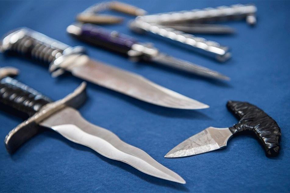 Das Tragen von Messern mit einer Klingenlänge von über sechs Zentimetern wäre durch das neue Gesetz nicht mehr erlaubt (Symbolbild).
