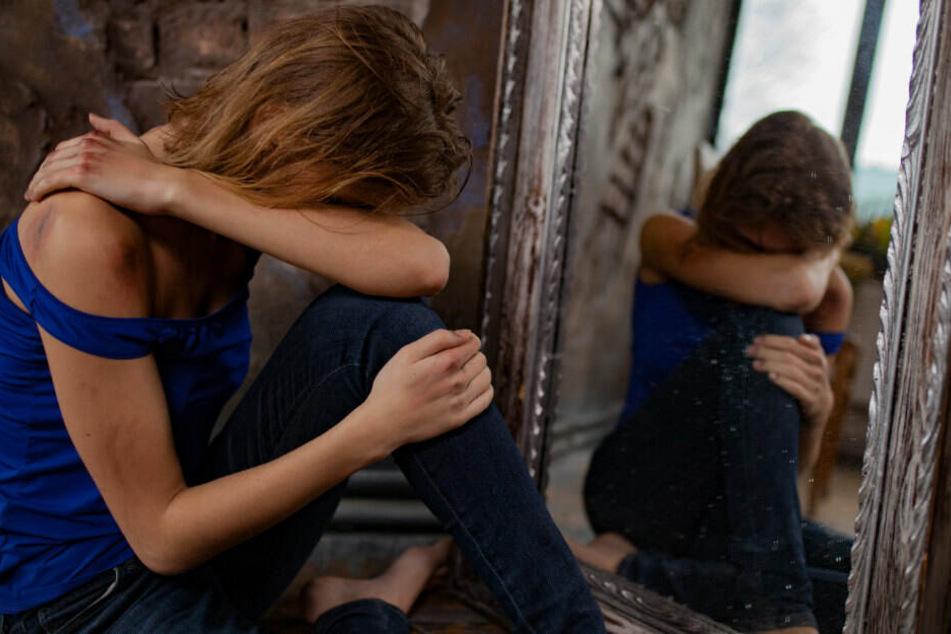 Weil sie sich trennen wollte! Frau tagelang eingesperrt und misshandelt