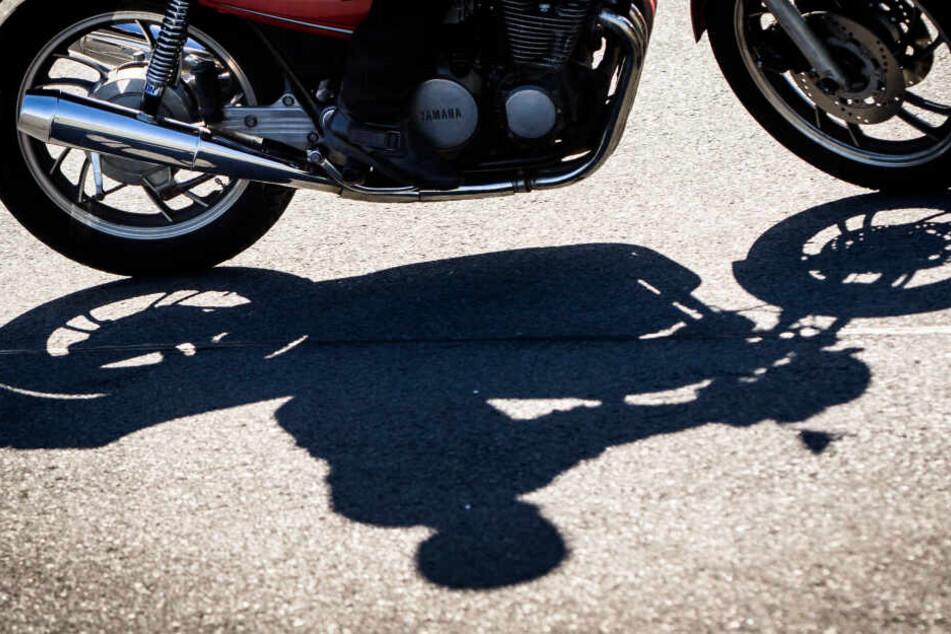 Demnächst sollen Autofahrer ohne Zusatzprüfung aufs Motorrad dürfen.