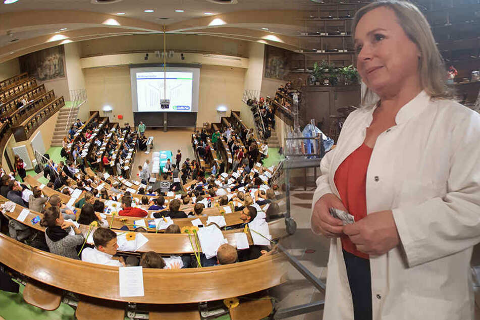 """Christine Urspruch (47) schlüpft für """"Terra X"""" in historische Rollen. Im Anatomie-Hörsaal der Uni Leipzig wurden Teile der Doku gedreht."""