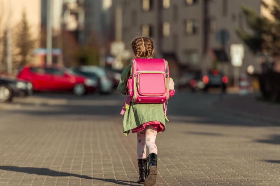 In Dresden wurde eine Zehnjährige belästigt. (Symbolbild)