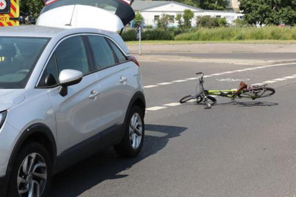 Unfall am Ebertplatz: Auto erfasst Fahrrad
