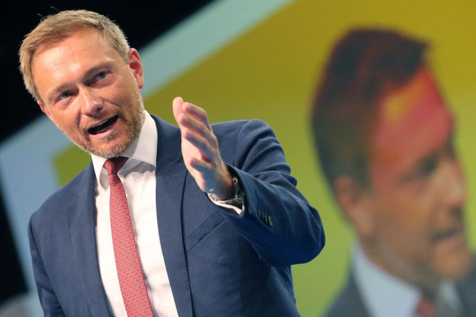 FDP-Chef Christian Lindner (39) fühlt sich in seiner Äußerung über Migranten missverstanden.
