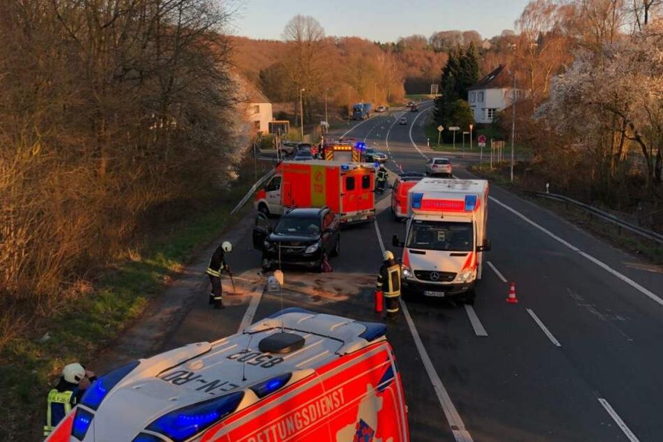 Die Polizei musste zu einem Zusammenstoß mit vier Verletzten im Bereich Bochumer Str./Hopener Weg in Sprockhövel ausrücken.