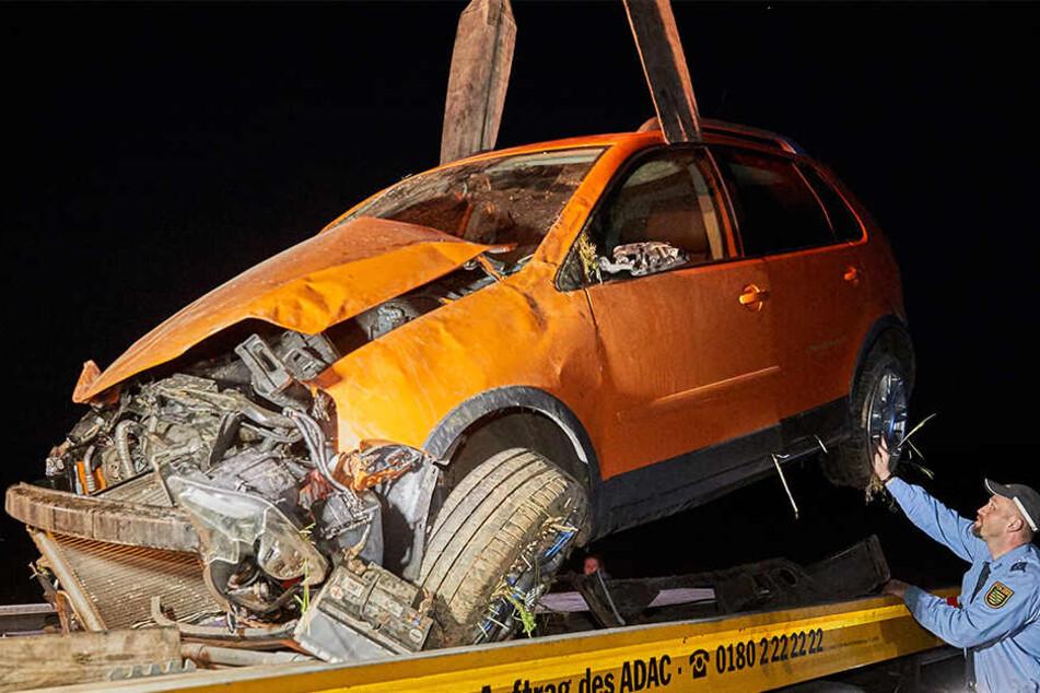 Von dem VW Polo war nach dem Unfall nicht mehr viel übrig.