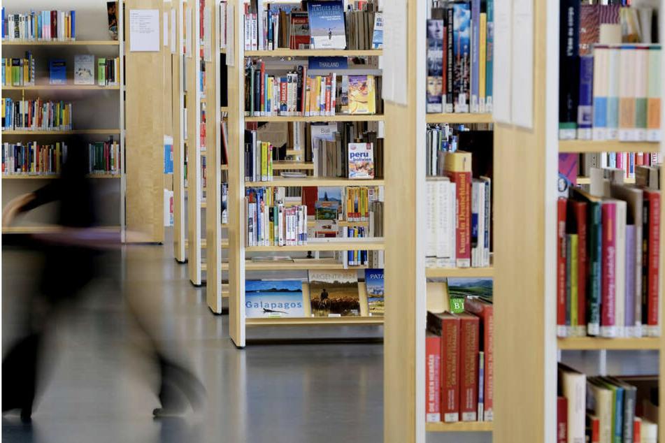 Wer sich neue Medien in der Stadtbibliothek ausleihen möchte, hat nun die Chance dazu.