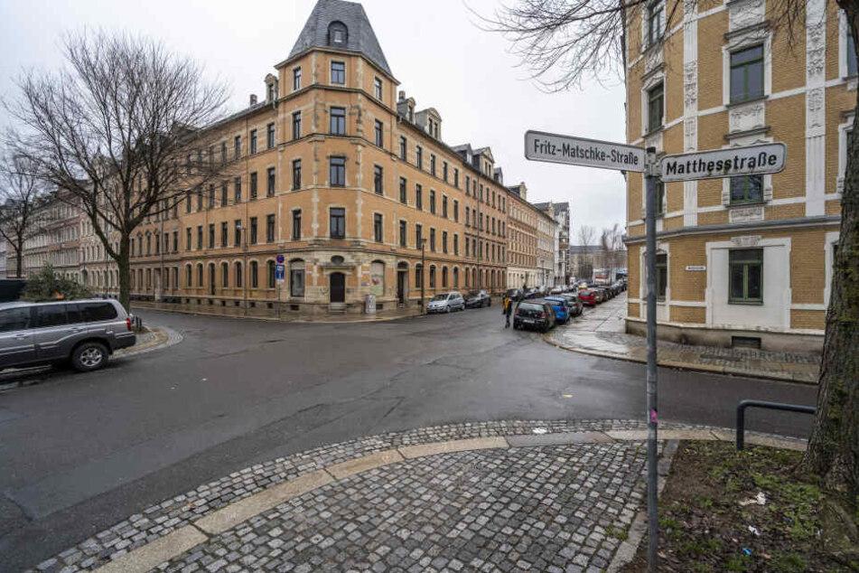Brutaler Raubüberfall in Chemnitz: 20-Jähriger beklaut