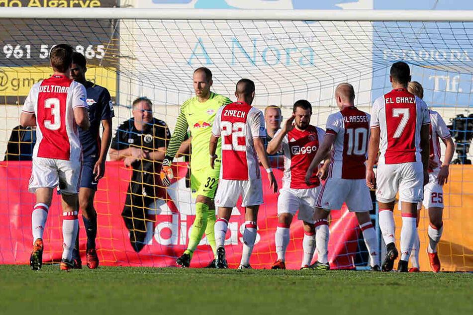 Grund zum Jubel hatten die Spieler von Ajax Amsterdam am Samstag genug.