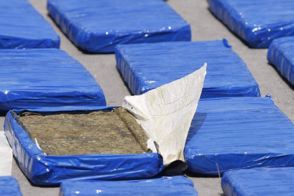 Kiloweise ließ sich der Angeklagte Marihuanaplatten per Post liefern (Symbolbild).