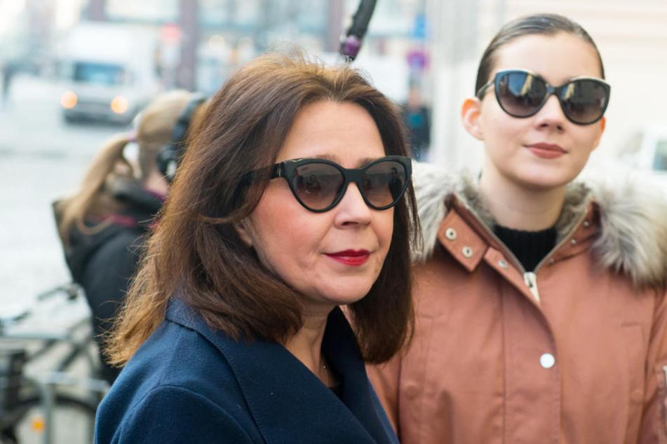 Viktoria Volk (links) und ihre bekannte Tochter Nathalie bei einem früheren Gerichtsprozess.