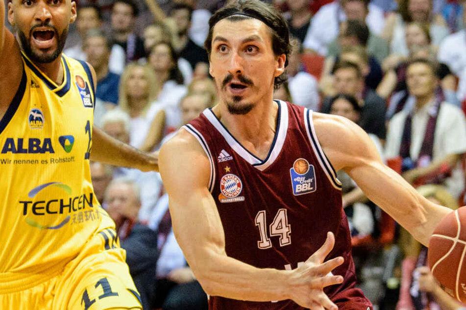 Nihad Djedovic (r.) und die Basketballer aus München wollen möglichst viele Titel gewinnen.