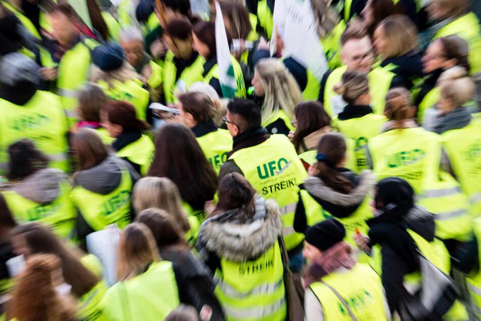 Noch bis zum 2. Februar unterliegt die Gewerkschaft einer Friedenspflicht, danach ist ein unbefristeter Streik möglich.