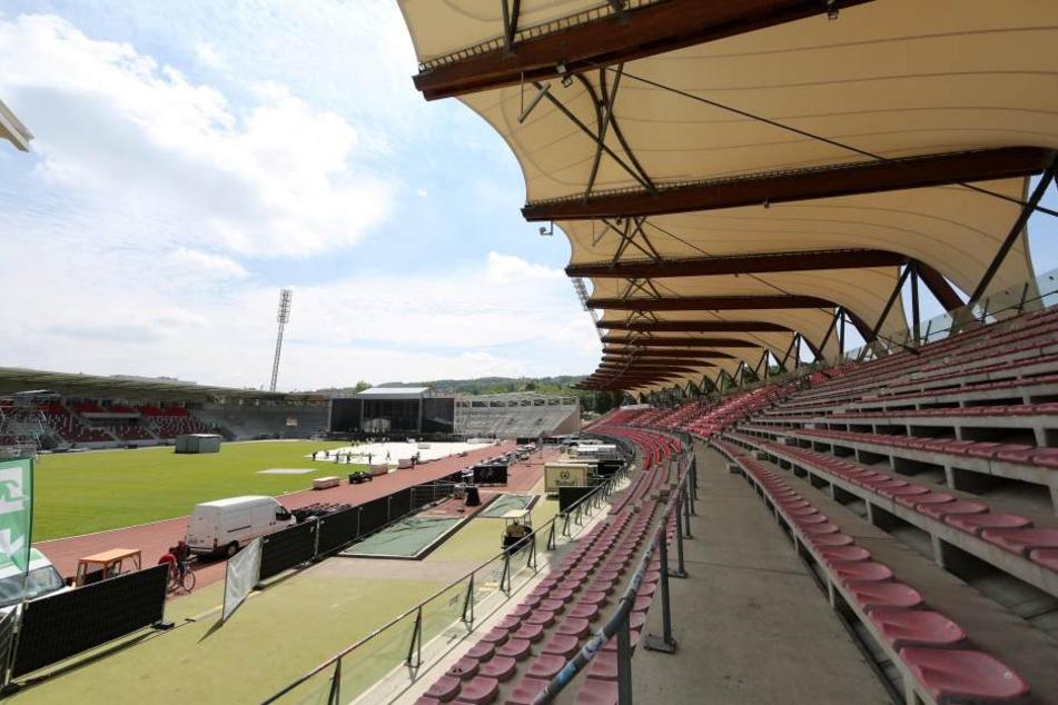 Nach dem Umbau des Steigerwaldstadions hat die Betreibergesellschaft finanzielle Probleme.