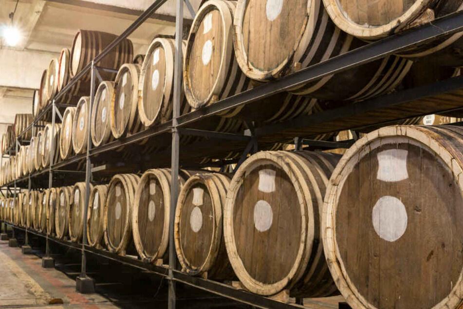 Sogar ein Whiskeyfass aus Schottland ging als Erbe an NRW. (Symbolbild)